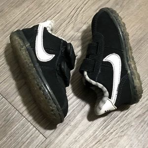 NWOT BABY NIKE SHOES
